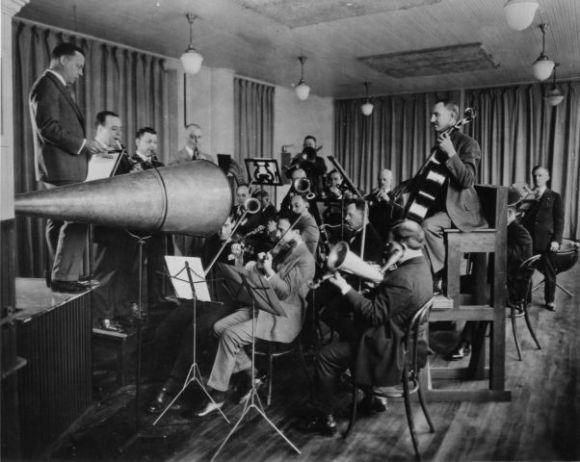 Acoustic recording studio, 1925.